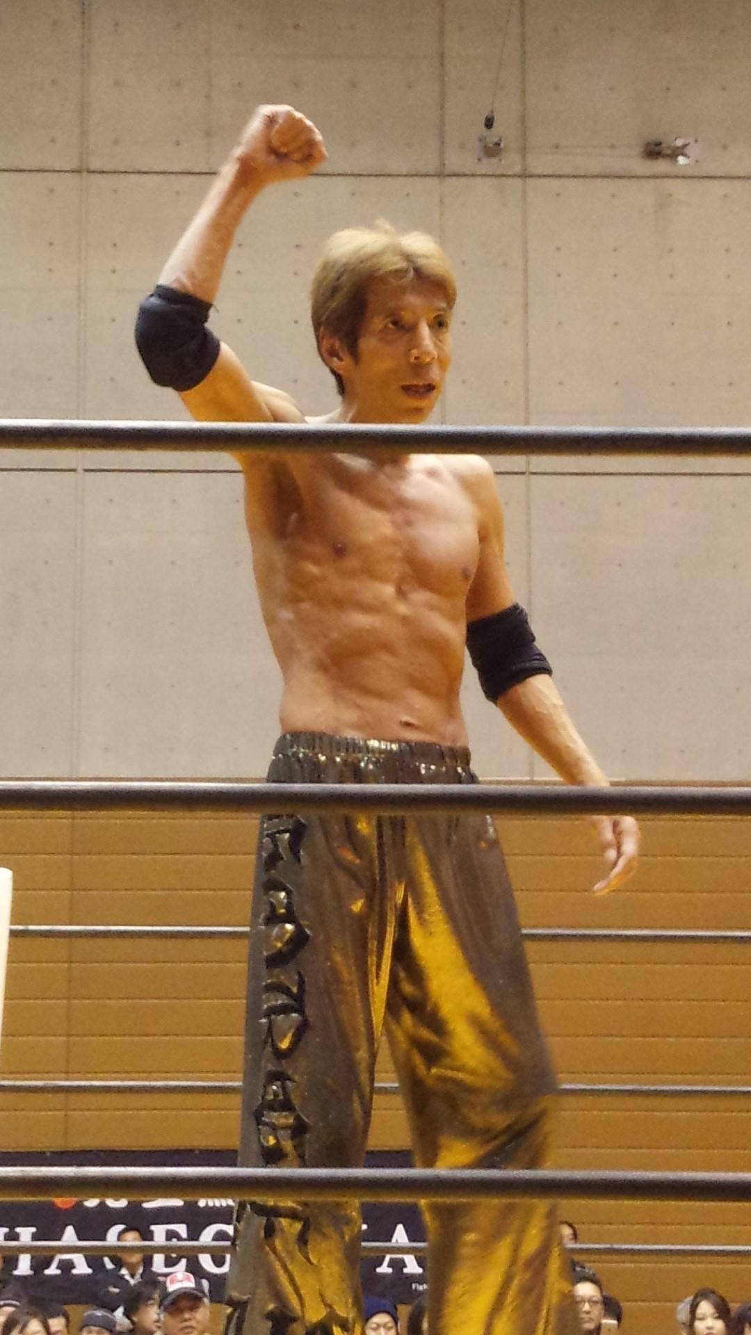 プロレス初観戦ゴージャス松野さんです